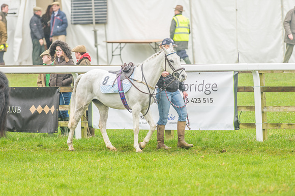 148cm Novice Riders Pony Race-18